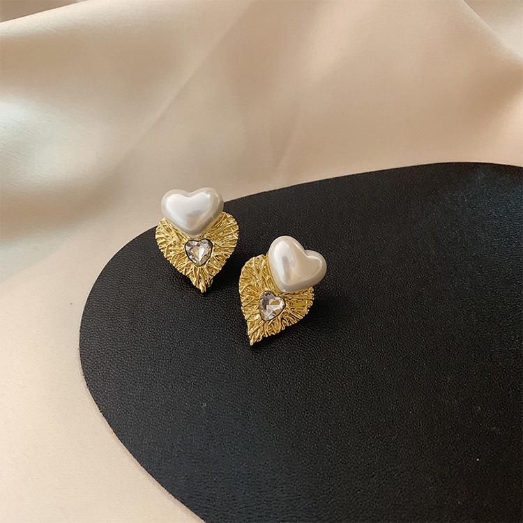 S925银针珍珠爱心耳环